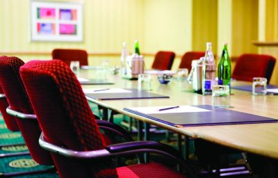 THISTLE_INVERNESS-Inverness-Conference_room-9-43117.jpg