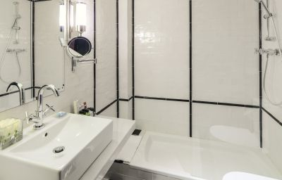 H10_Catalunya_Plaza-Barcelona-Bathroom-43357.jpg