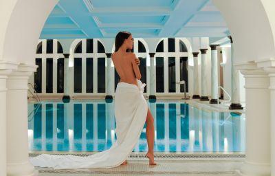 Chasa_Montana_Hotel_Spa-Samnaun-Pool-2-43446.jpg