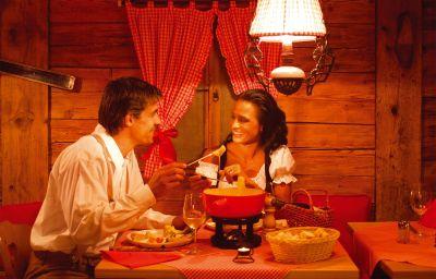 Restaurant 2 Chasa Montana Hotel & Spa