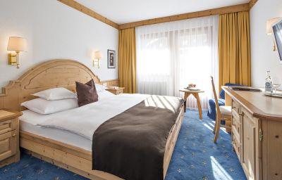 Double room (standard) Chasa Montana Hotel & Spa