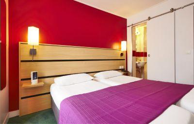 Kyriad_Canal_Saint_Martin_Republique-Paris-Double_room_standard-7-43586.jpg