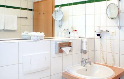 Best_Western_Macrander-Dresden-Bathroom-1-43665.jpg