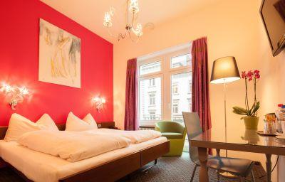 Ambassador-Solothurn-Double_room_standard-2-44032.jpg