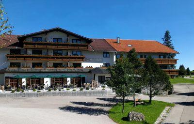 Loewen_Landgasthof-Nesselwang-Exterior_view-1-44207.jpg