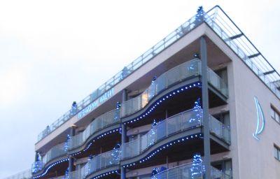 Royal_Yacht-Bailiwick_of_Jersey-Hotel_outdoor_area-3-44299.jpg