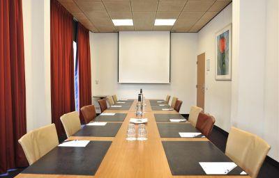 Golden_Tulip_Keyser_Breda-Breda-Conference_room-8-44866.jpg