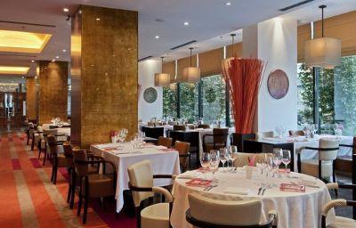 Hilton_Prague-Prague-Hall-5-45985.jpg