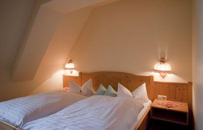 Zur_Post-Wolfegg-Double_room_standard-1-46185.jpg