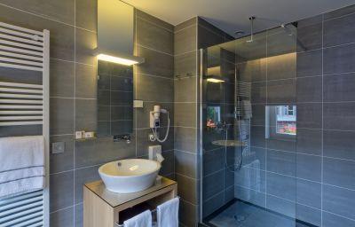 BEST_WESTERN_LAuberge-Spa-Bathroom-1-46364.jpg