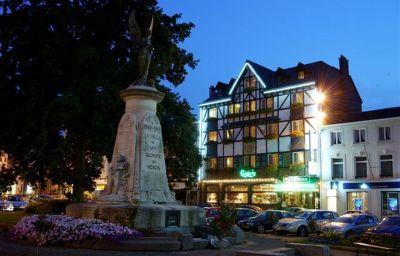 BEST_WESTERN_LAuberge-Spa-Hotel_outdoor_area-46364.jpg