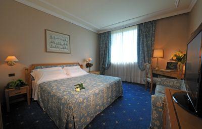 Royal_Garden-Milan-Room-2-50327.jpg