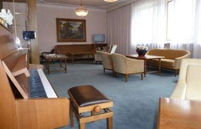 Juliane-Meran-Hotel_bar-2-50754.jpg