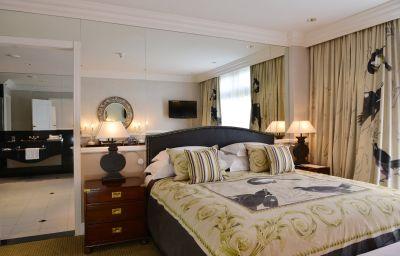 Suite MEIKLES HOTEL