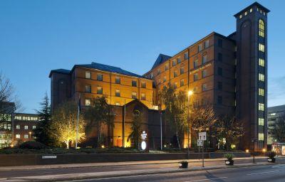 Crowne_Plaza_LEEDS-Leeds-Exterior_view-31-51078.jpg