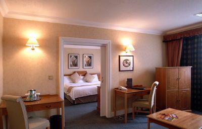 Crowne_Plaza_LEEDS-Leeds-Suite-4-51078.jpg