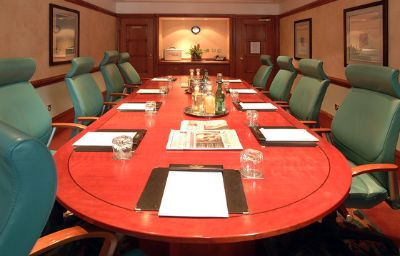 Crowne_Plaza_LEEDS-Leeds-Conference_room-48-51078.jpg