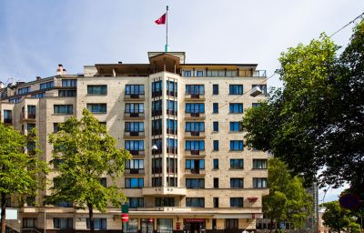 THON_HOTEL_SLOTTSPARKEN-Oslo-Exterior_view-51483.jpg