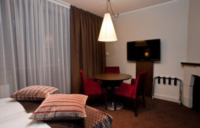 THON_HOTEL_SLOTTSPARKEN-Oslo-Room-6-51483.jpg