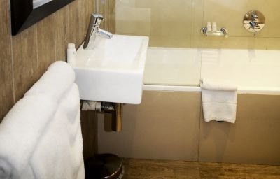 THE_AMBASSADOR_HOTEL_EXECUTIVE_SUITES-Cape_Town-Single_room_standard-52073.jpg