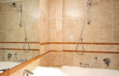 BB_Hotel_Pisa-Pisa-Bathroom-52147.jpg