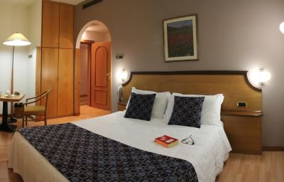 Tevere-Perugia-Double_room_superior-52210.jpg