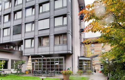 La_Pergola-Berne-Exterior_view-4-52903.jpg