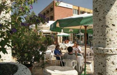 Thermal_Hotel_Harkany-Harkany-Aussenansicht-4-55361.jpg