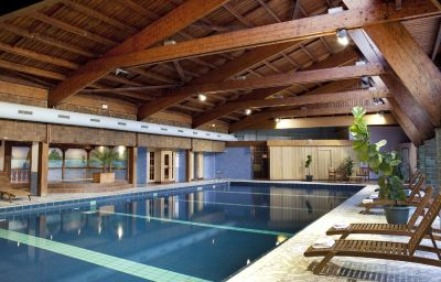 Swimming pool Les Vallees