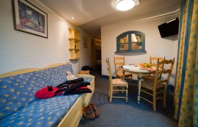 Les_Vallees-La_Bresse-Double_room_standard-2-57146.jpg