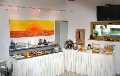 Petit-déjeuner buffet Port Inn