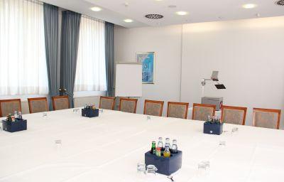 Ascania-Aschersleben-Conference_room-57663.jpg