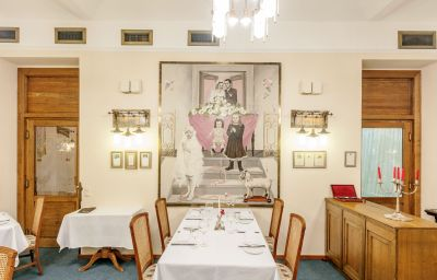 Villa_Voyta-Prague-Restaurant-3-60078.jpg