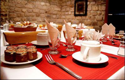 Salle du petit-déjeuner Pavillon Porte de Versailles