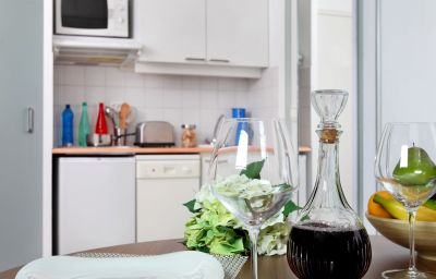 Citadines_City_Centre_Grenoble-Grenoble-Kitchen_in_room-60357.jpg