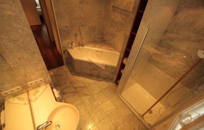 La_Pergola_am_Burghof-Loerrach-Bathroom-1-62160.jpg