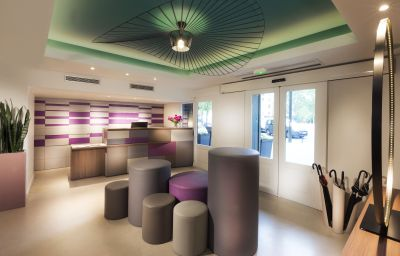 Reception Quality Hotel Acanthe