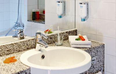 NH_Berlin_Frankfurter_Allee-Berlin-Bathroom-1-63133.jpg