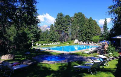 Saratz-Pontresina-Pool-2-63228.jpg