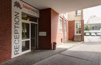 Smarthostel_Hotel-Berlin-Exterior_view-4-64025.jpg