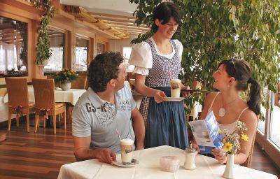 Sonnenbichl_am_Rotfischbach-Fischen-Cafe_Bistro-64449.jpg