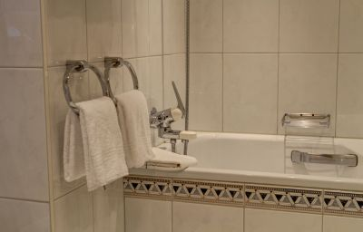Europe_Hotel_SPA-Zermatt-Room-16-65050.jpg