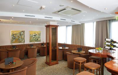 Admiral_am_Kurpark-Baden_bei_Wien-Hotel_bar-2-65174.jpg