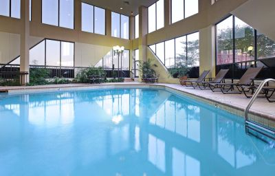 Swimming pool Crowne Plaza DALLAS-MARKET CENTER