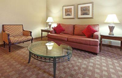 Crowne_Plaza_DALLAS-MARKET_CENTER-Dallas-Suite-11-66109.jpg