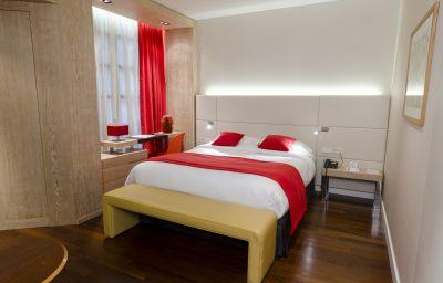 Opera_de_Noailles_Golden_Tulip-Paris-Business_room-66456.jpg