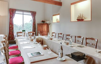 Domaine_du_Verbois_Chateaux_et_Hotels_Collection-Neauphle-le-Chateau-Meeting_room-68577.jpg