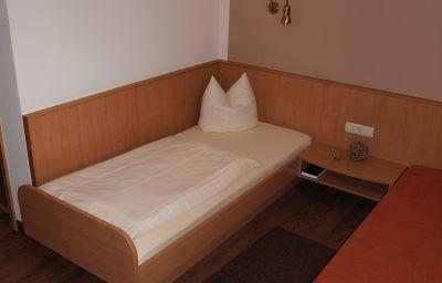 Riedstadt_Garni-Riedstadt-Single_room_standard-6-69178.jpg