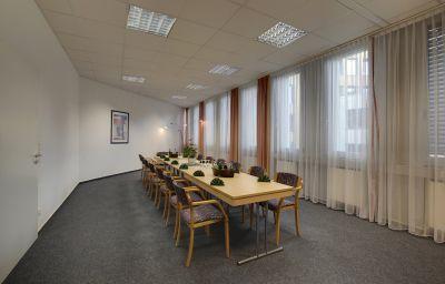 Sala de reuniones Kubrat Helle Mitte