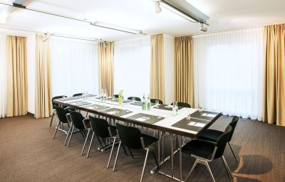 NH_Berlin_Alexanderplatz-Berlin-Conference_room-3-69458.jpg